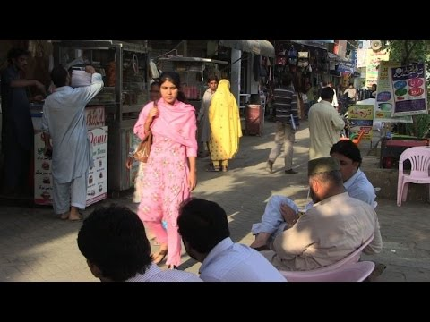 Pakistan radio show confronts 'endemic' ogling of women