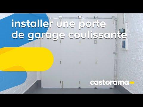 Poser une cl ture avec des panneaux en bois castorama doovi - Isoler une porte de garage coulissante ...
