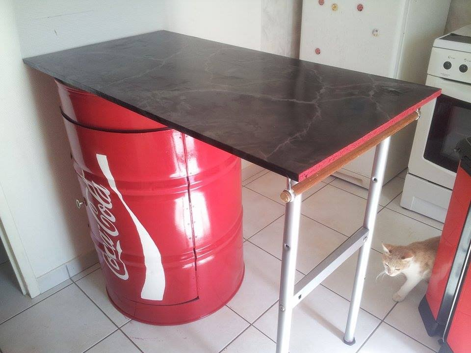 coca cola table plan de travail pour cuisine youtube. Black Bedroom Furniture Sets. Home Design Ideas