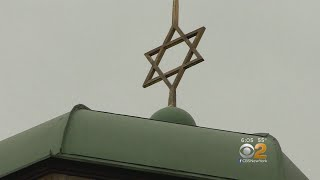 Synagogues Grapple With New Security Needs After Pittsburgh Attack
