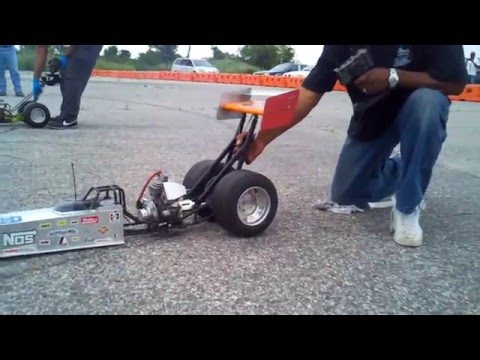 1 4 scale dragster race !