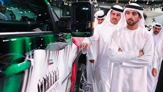 سمو الشيخ حمدان بن محمد يتجول في معرض دبي الدولي للسيارات