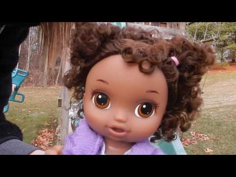 Baby Alive Twins Angela and Tamara Go To The Park