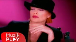 Ajda Pekkan - Kimler Geldi Kimler Geçti (Official Video)