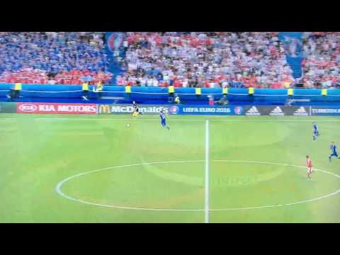 Iceland screaming commentator