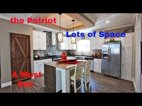 The Patriot By Live Oak Homes With Decor Pics At The End || Wayne Frier Home Center In Byron GA