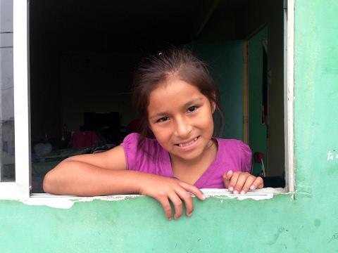 Une journée dans la vie de Genesis au Pérou on YouTube