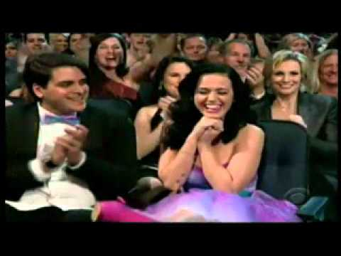 "katy perry win favorite female artist ""people choice 2011"""