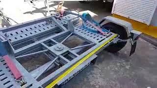 прицеп с частичной погрузкой для перевозки микроавтобусов и легковых автомобилей
