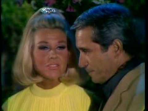 Doris Day Makin Eyes at Perry Como