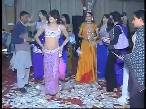 Hot  Sexy Pakistani Private Mujra (Lahore).mp4