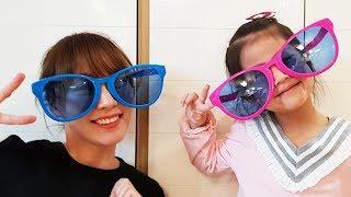 누구의 안경이 더 멋있을까요?!! 서은이와 엄마의 이쁜 안경 대결 이벤트 안경 콧수염 안경 Seoeun Vs Mommy Glasses Contest