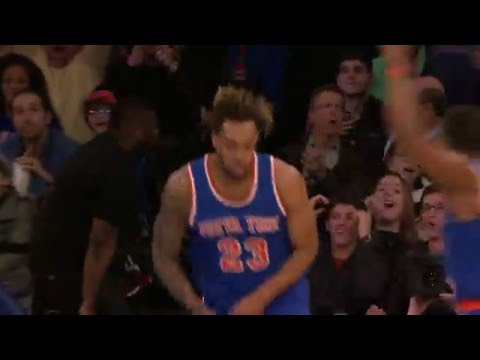Jose Calderon Hits Derrick Williams with a Three-Quarter Court Alley-Oop