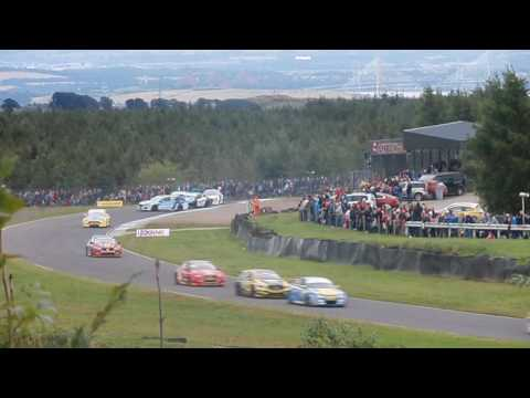 BTCC Knockhill 2016 Race 2 - Warren Scott Crash