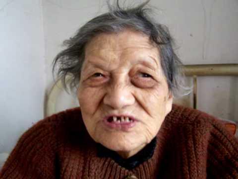 """百岁老人背诵唐诗""""社日""""(Chinese poem """"A Conference Day""""recited by an 100-year-old woman )"""
