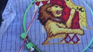 НАКЛАДНАЯ КАНВА.Прогресс вышивки куртки.Как вставить льву зубы:))(Если вы никогда не вышивали одежду и совсем не знаете как приступиться к накладной канве-видео для вас.И..., 2016-08-28T20:49:55.000Z)