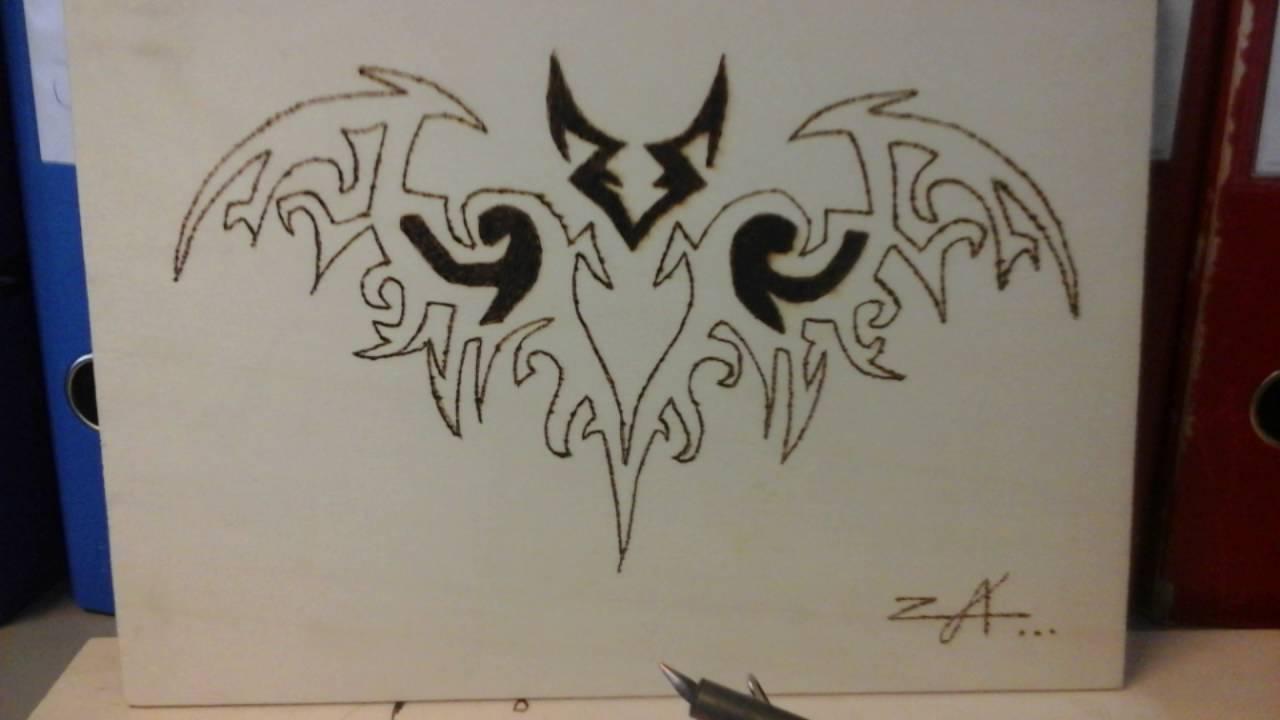 mon travail pyrogravure sur bois voici mes premiers mais je travail avec lettres gothiques. Black Bedroom Furniture Sets. Home Design Ideas