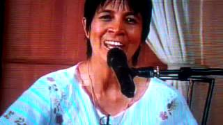 Cristina Abaroa cantando a Dios