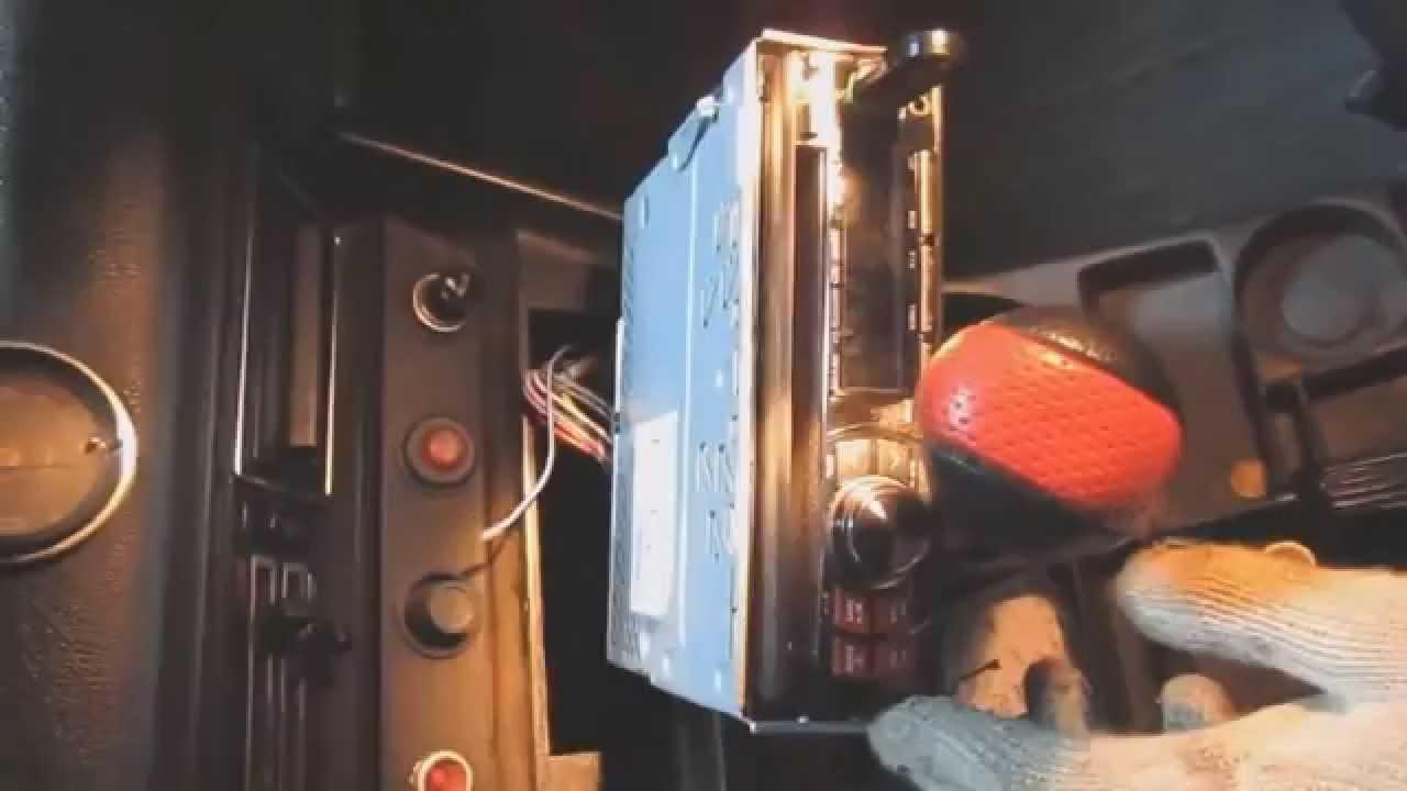 Установка акустики ВАЗ 2106 Видео №2