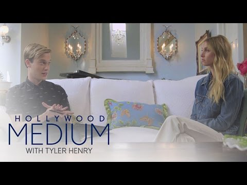 Whitney Port Receives Incredible Reading From Tyler Henry | Hollywood Medium with Tyler Henry | E!