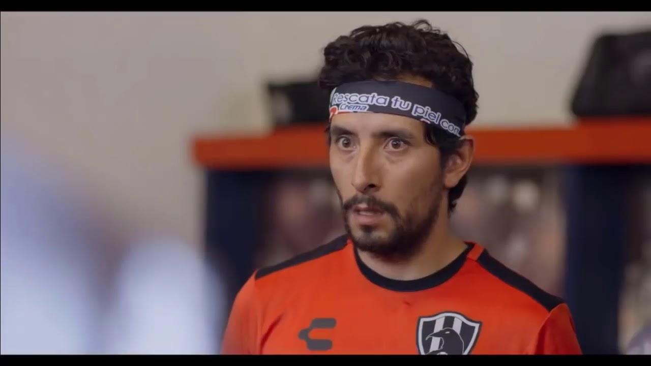 Pepe trae la camisa de zombie || Mejores momentos Club de cuervos