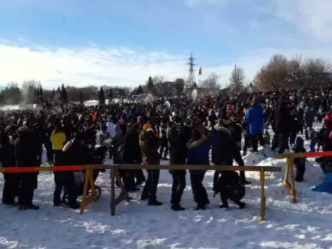 WORLD'S LARGEST SNOWBALL FIGHT w RICK MERCER - YouTube