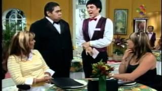 Repeat youtube video La Hora Pico - Cynthia Klitbo con Carmelo y Pol