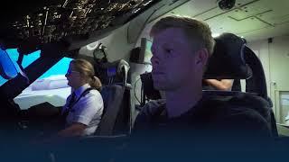 Kyle Edmund takes on our Flight Simulator