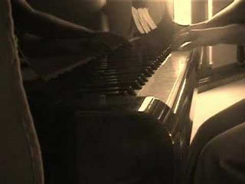 how to play missy higgins on piano