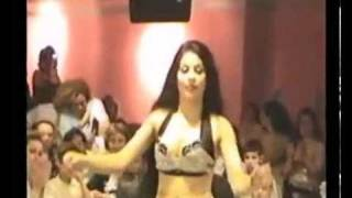 Iraqi belly dancer Malayeen in Sweden ردح عراقي  خشبة