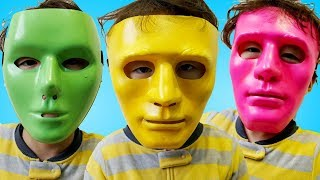 Colors Song - Rua pretend play with Mask