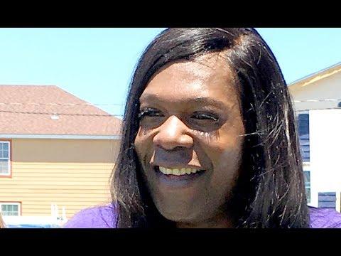 Big Freedia gives a lunchtime twerking lesson in New Orleans