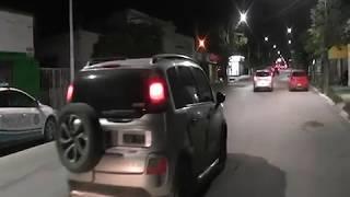 CHOQUE A AUTO ESTACIONADO EN SAO.