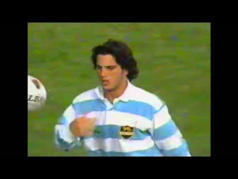 Agustín Pichot try on debut vs Australia 1995