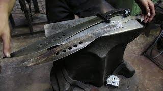 Forging a Eagle machete, the complete movie.