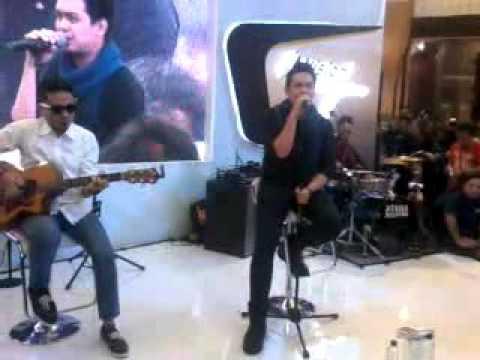 ADABAND LIVE AKUSTIK KUCURI LAGI HATIMU @ Ciputra World Surabaya 2016