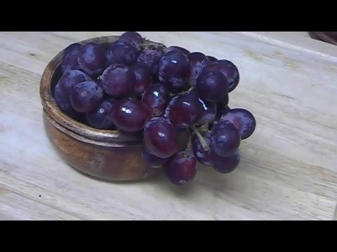 """Health & Skin Benefits of Grapes"""