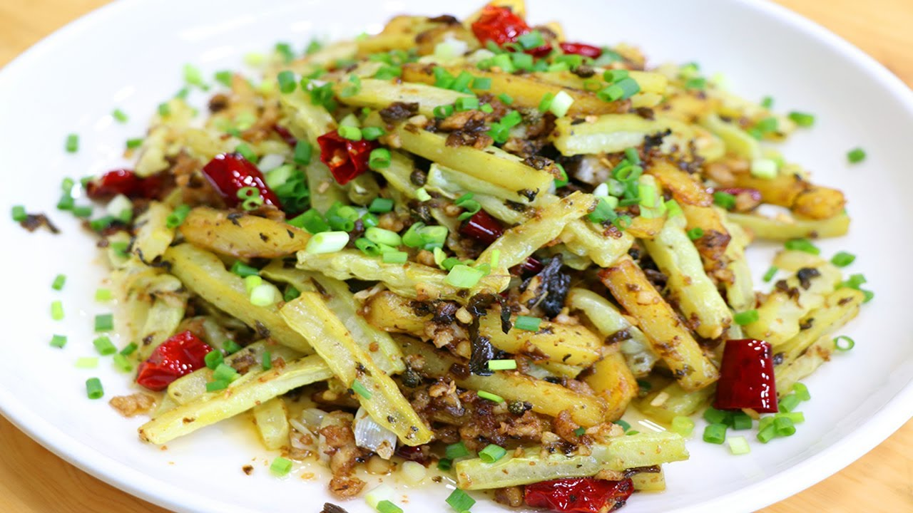 一根苦瓜加個土豆簡單一做,飯店都吃不到的下酒下飯菜,好吃解饞【最美家常菜】