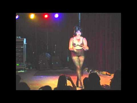 Cannibal Corset - Lola Vee - Memphis Burlesque