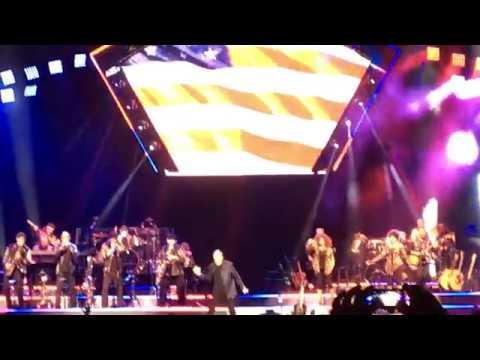 Neil Diamond - America (Live at the Vivint Smarthome Arena, 04/09/17)