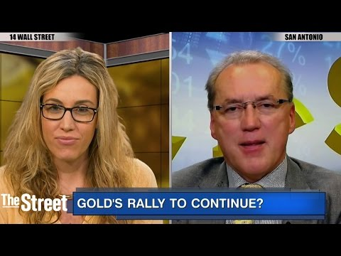 """Gold, Silver Hit 3-Week Highs As Speculators Say """"More Room To Run"""": Frank Holmes"""
