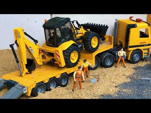 Bruder toys Tractor Excavator Broken Wheel! Tow truck transport action for children!