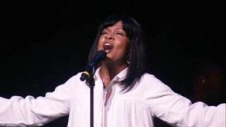 CeCe Winans: His Strength is Perfect