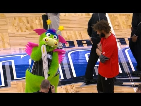 Robin Lopez SLAPPED by Orlando Magic Mascot, Aaron Gordon Steps In