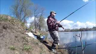 Ловля карася на поплавочную удочку(Ловля карася на поплавочную удочку Летом видео карась, ловля на удочку, рыбалка..., 2015-05-03T16:16:58.000Z)