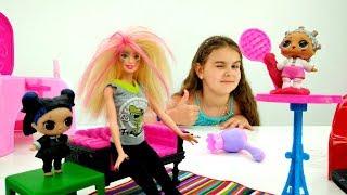 Лол и Барби в салоне красоты. Куклы Лол - Мультики для девочек