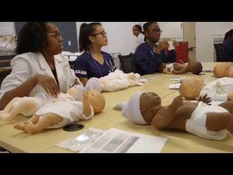 Mercy School Of Nursing >> Students On The Bachelor Of Nursing Program At Mercy College 1