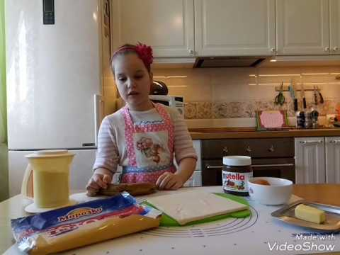 Рецепт 2. Готовим дома с Полиной Простые круассаны с нутелой и бананом.