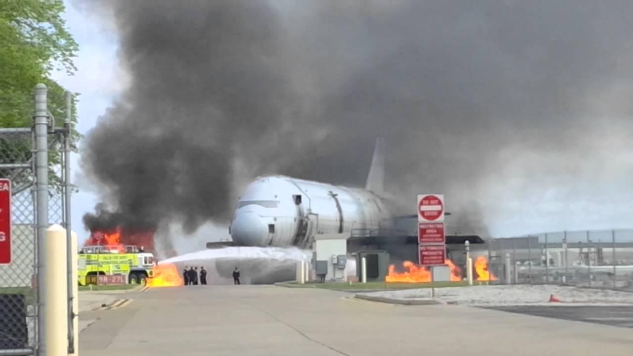 dfw plane crash today
