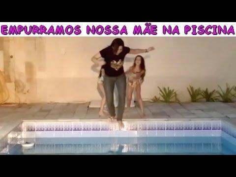 EMPURRAMOS NOSSA MÃE NA PISCINA - TROLLANDO NOSSA MÃE